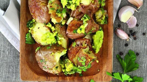 Печеный картофель ссоусом из авокадо, пошаговый рецепт с фото