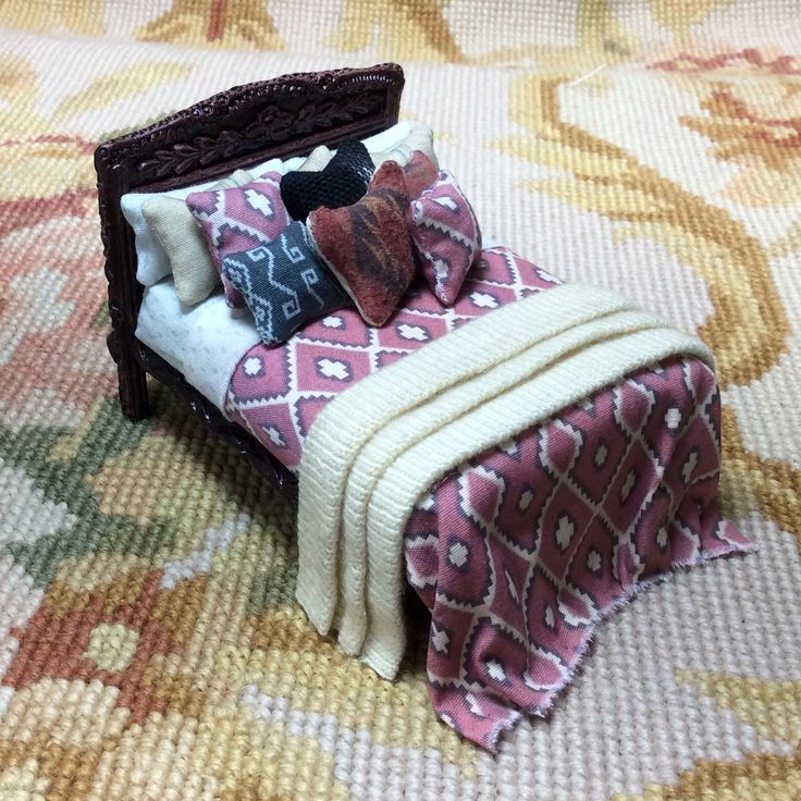 """Pat Tyler Artist Made OOAK 1/2"""" Dressed bed. The frame is made of wood and resin, and measures approximately 2 3/4"""" Wide, 2 1/4"""" High, 3 1/2"""" Deep. I have embellished and dressed in various patterns a"""