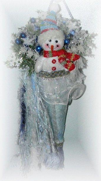 snowman tussie mussie