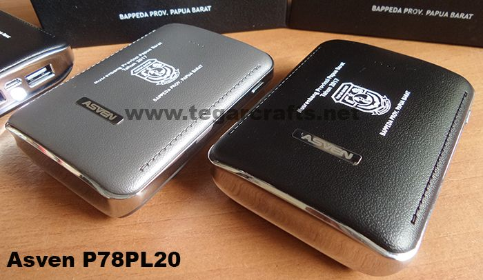 ASVEN Powerbank 7800mAh. It's an ideal choice to use as a goverments souvenir, institution, or national working meeting -Rapat Kerja Nasional- (Rakornas), or National Working Comitee. As shown a wooden desk clock for Musrenbang -Musyawarah Perencanaan Pembangunan (Development Planning) held by Pemerintah Provinsi Papua Barat, Manokwari West Papua Indonesia.