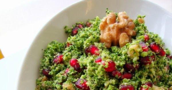 Antioksidan meraklısına, salata meraklısına, Brokoli meraklısına meraklarınızı boşa çıkarmayacak harika bir salata:)) Tam mevsimi.. Doğ...