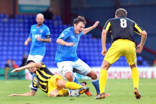 Stockport County's Dennis hopes to be a menace again - Manchester Evening News