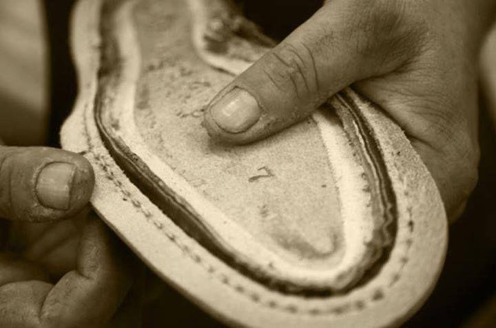 #GoodyearWelted Questa particolare struttura di #costruzione dona resistenza senza pari e trasforma nel #tempo ogni singola #calzatura in un prodotto modellabile al #piede, creando un perfetto connubio tra #eleganza e #comfort. #IlGergo