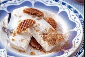 stroopwafelparfait met slagroom en yoghurt