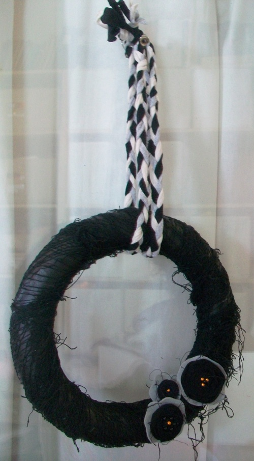 63 best halloween do it yourself projects images on pinterest using black cheesecloth to make a halloween wreath do it yourself projects cheeseclothhalloween wreaths solutioingenieria Image collections