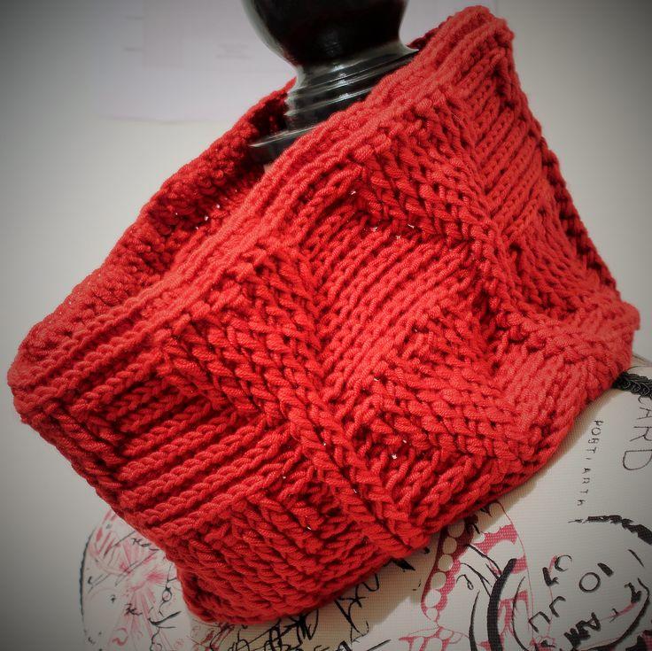 My Valentine's Cowl crochet pattern by Thomasina Cummings Designs  #mmmakers #tcdesignsuk #crochet #free