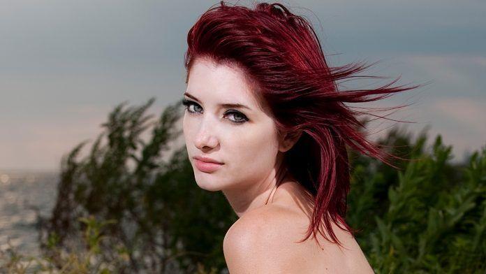 Koyu Kızıl Saç Rengi Kimlere Yakışır? En Güzel Modelleri