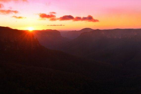 Sunrise over Govett's Leap in the #BlueMountains #Australia