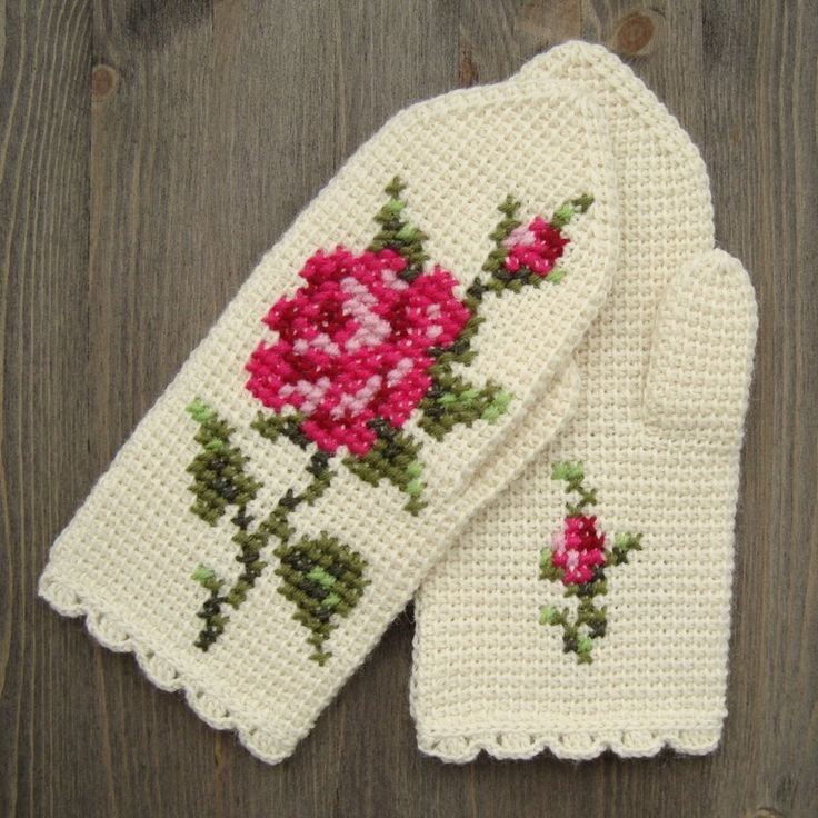 Mittens In Tunisian Crochet With Cross Stitch Roses