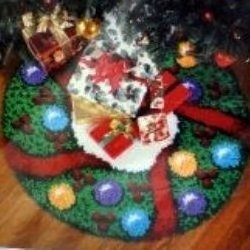 There Are Many Latch Hook Tree Skirt Kits To Choose From In Addition Creating