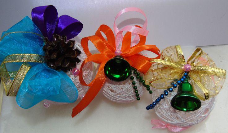 Новогодние шарики из нитей