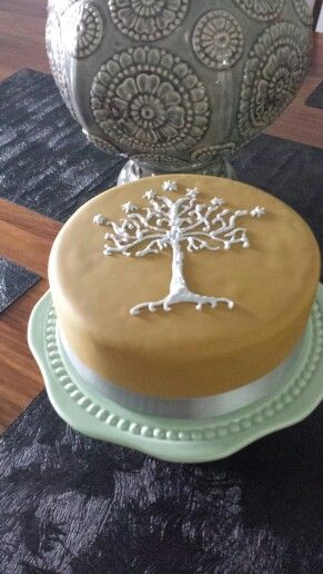 Tree of life, Lord of the Rings birthday cake. Caramel flavour.