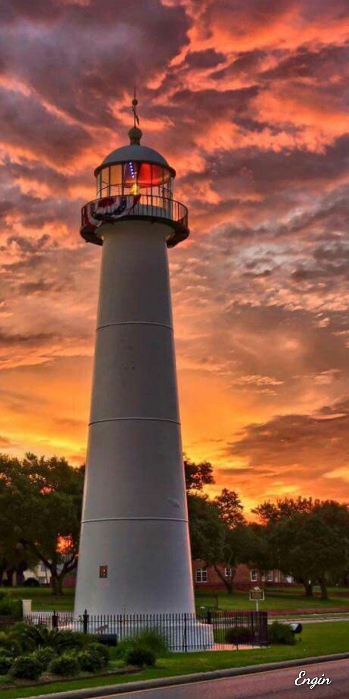 Gorgeous! | CLOUDS in 2019 | Lighthouse, Boat lights, Beacon of light