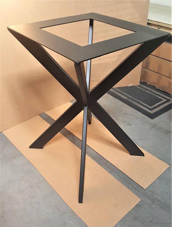 ¡Hermoso diseño y alta calidad! Araña de estilo, moderno mesa X Base 28 H y tapa cuadrada 25 x 25 para mesa redonda o cuadrada -Hecho de tubos de acero - 3 x 1 o 2 1/2 x 1 y 1/4 x 5 acero plana. -Acabado - negro plano.