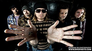 Share this with your friends and earn B Connected Social Points to enter valuable prize giveaways. COME SEE PUDDLE OF MUDD LIVE!  Puddle of Mudd is a Kansas City, Missouri based post-grunge rock band that has been capturing audiences for more than a decade. Their debut studio album Come Clean, released in 2001 gave them the breakthrough to the mainstream music scene with hit singles like ��She Hates Me,�� ��Blurry�� and ��Drift and Die�� and ��Bl…