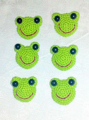 Bij deze het patroon van de kikkertjes, die had ik jullie hier beloofd!  Het is een simpel amigurumi patroon dat ongeveer drie á vier cent...