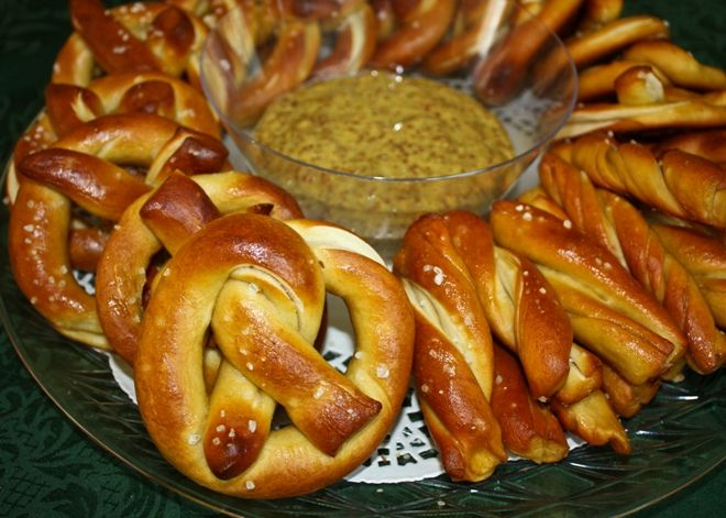 German-style pretzels with spicy beer mustard... the dough cycle on my bread machine gets a chance to shine!