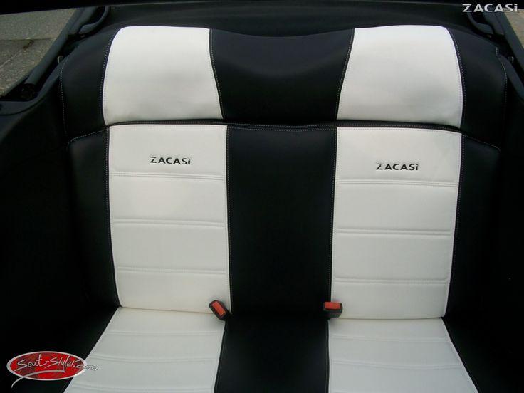 Die wunderschöne Rückbank eines VW Golf 3 Cabrio mit Sitzbezügen von ZACASi in dem Design #Berlin Bestellbar auf: www.seat-styler.de                         www.seat-styler.com  #VW #GOLF #golf3 #Cabrio #Sitzbezüge #Rückbank #veredelt #Zacasi #black #white