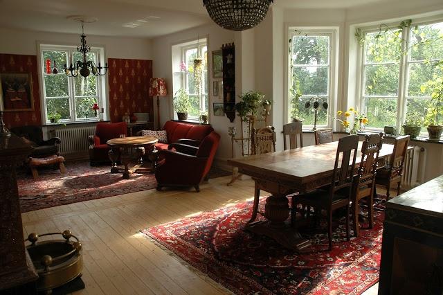 Living- and dinningroom at Villavägen 3