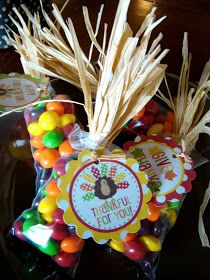 """Indian Corn"" treat favors with a free printable  tag"