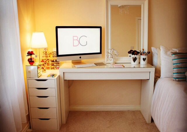 Dressing table. Mirror. Lights. Chest of Drawers. Make up storage. Bookcase.