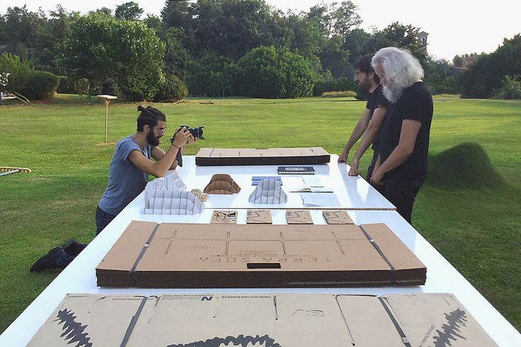 Studio-Nucleo_terra-table-model