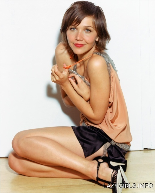 Maggie Gyllenhaal, loved her hair in Stranger Than Fiction- it was kind if like this.