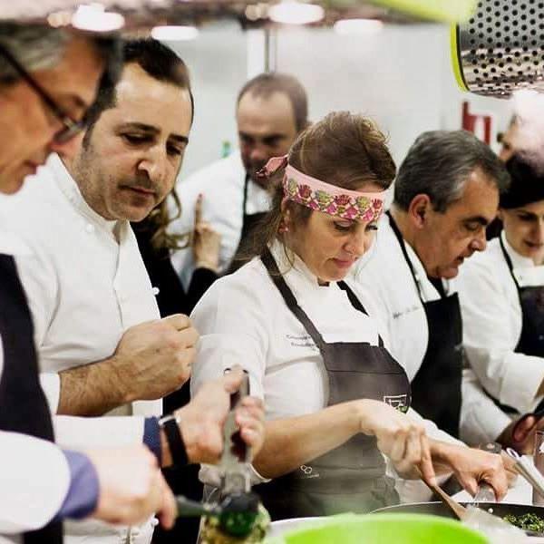 I nostri chef: Lino Acunzo, Gabriella Barbati, Fiorella Breglia  #chef #amore #passione #creativitá #collaborazione #professionalitá #cheflinoacunzo #foodartist #fiorellabreglia #chefgabriellabarbati  #toffiniacademy #Napoli #corsidicucina #cookingclass