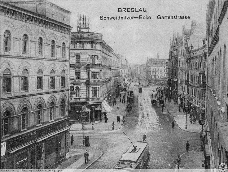 Skrzyżowanie dzisiejszych ulic Świdnickiej i Piłsudskiego. Widok w kierunku północnym. UWAGA! Zbiory nieznanego pochodzenia!!! 1905