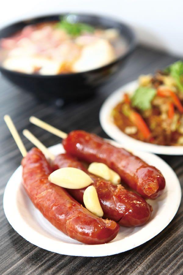 Grilled sausage with garlic. #Taiwan #food