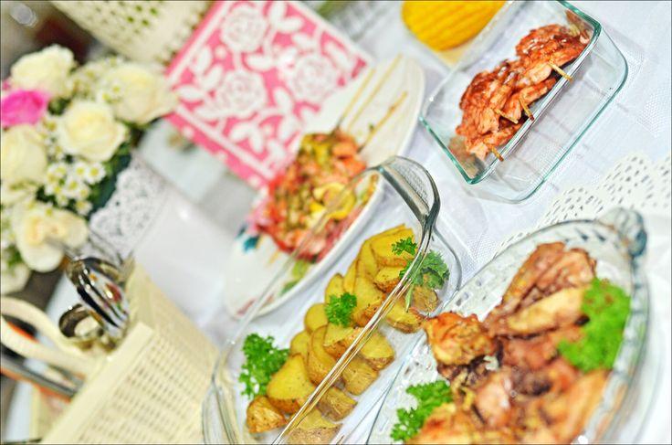 Romantic Dinner Anniversary  #tablesetting #whiteroses #homemadedinner