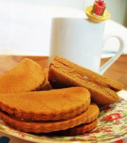 Koffiekoekies*     Koffiekoekies en ander kleinkoekies is 'n bietjie meer werk as enige ander gebak.     Om deeg te knie, koekies uit...