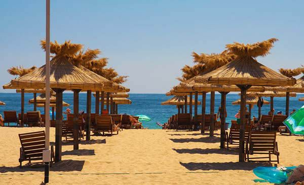 Check here some more info about one of the most popular #summer resorts in Bulgaria  Book online youre #transfer to any hotel in #GoldenSands: ➳ ✔ Varna Airport - Golden Sands: 7 GBP for shared transfer, one way; ✔ Varna Airport - Golden Sands: 21 GBP for private transfer by car.