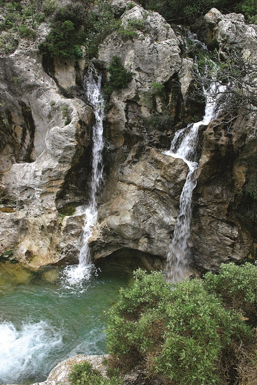 VISIT GREECE| Kourtaliotiko Gorge, on Crete. Its slopes are full of caves and springs. When the wind blows you can hear clapping sounds – in the local dialect they are called kourtala. This is from where originates the name. #Greece #Crete #gorges #Kourtaliotiko