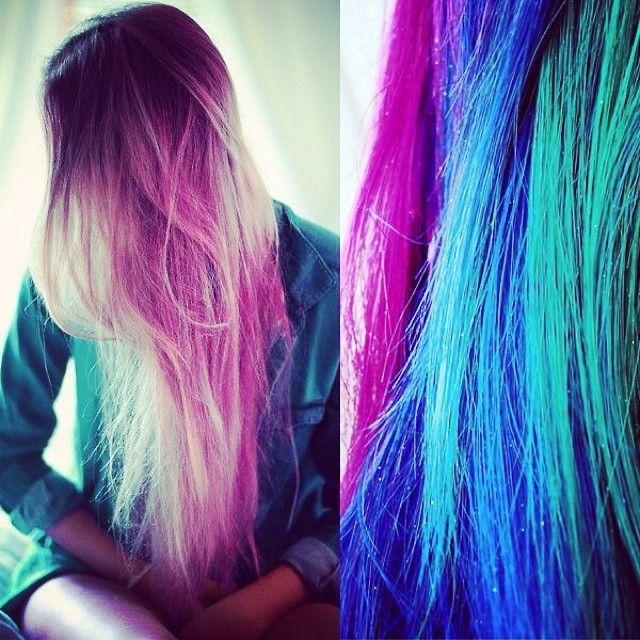 capelli colore viola e blu