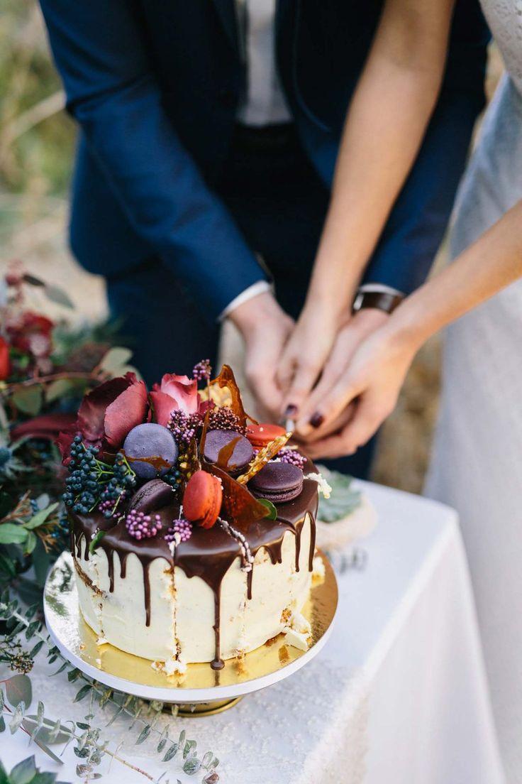 Wedding Inspiration: Wild November   – Cakes & Sweets