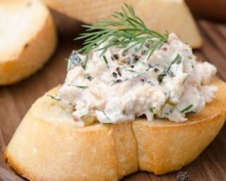 Rillettes de maquereaux au fromage frais 0% : http://www.fourchette-et-bikini.fr/recettes/recettes-minceur/rillettes-de-maquereaux-au-fromage-frais-0.html
