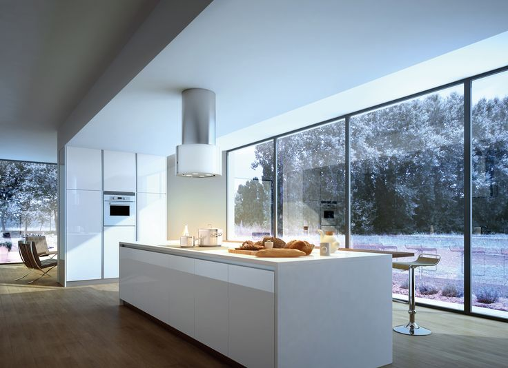 The essential lines of Cassiopea are designed to adapt elegantly and skilfully to any kind of kitchen. Beautiful, luminous, fashionable, offering every comfort: Cassiopea is truly the queen of range hoods