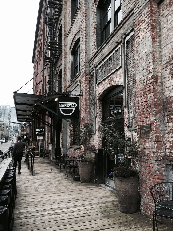 things-to-do-in-portland-oregon-barista-in-the-pearl-disctrict