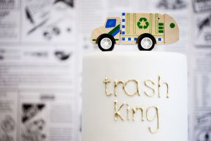 """This next kids party? Obsessed. Seriously. I like to think that I'm of the creative mindset, but if I were given """"garbage truck"""" as a party theme for my 4 year old child I honestly wouldn't even know where to begin. Luckily"""