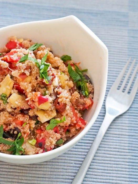 #Vegan Mediterranean Quinoa {#GlutenFree}, dinner on the table within 30 minutes - avocadopesto