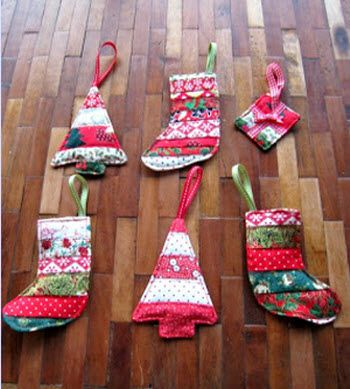 Quilt-y Christmas decor from strips · Quilting | CraftGossip.com