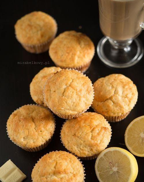 Obłędnie pyszne. Uwielbiam cytrynowe wypieki, więc od początku wiedziałam, że te muffinki przypadną mi do gustu, ale nie przypuszczałam, że ...