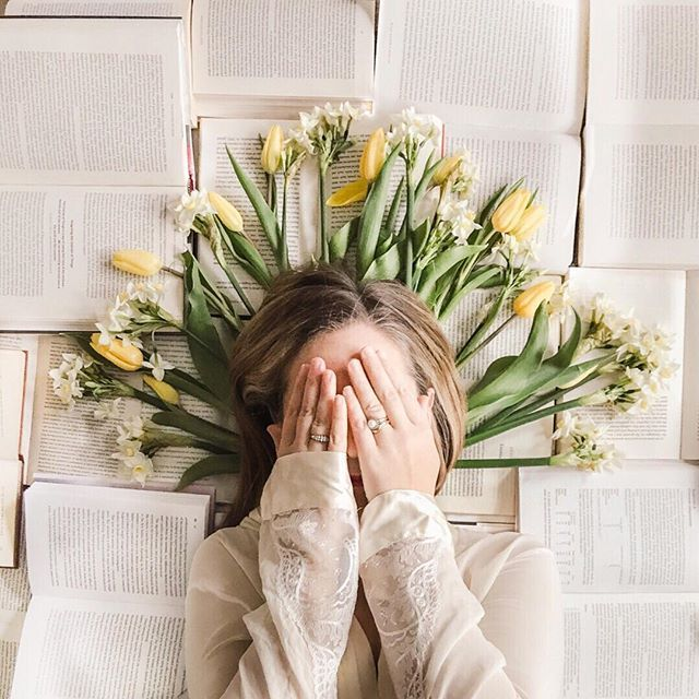 If I close my eyes and count to ten when I open them it will be spring... . Channelling the goddess of the spring (Persephone Ostara Proserpina...take your pick) with a crown of yellow tulips and narcissi and adopting a self-portrait tip from @kutovakika - cover your face. I think I could get used to being in the frame this way. . A few weeks ago I shared some blog posts which Id found inspiring. I still havent found time to put them into practice - just one reason why the longer lighter…