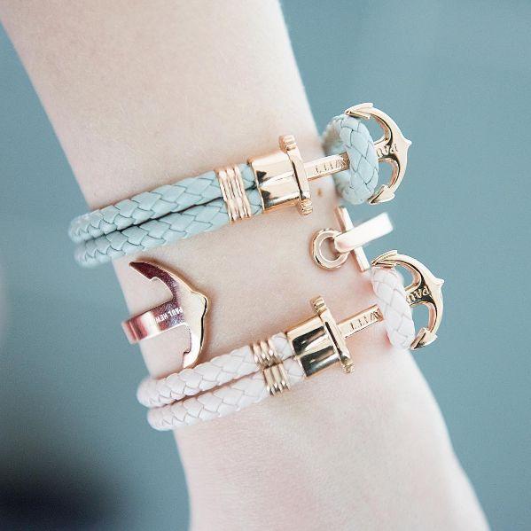 Wir sind ganz verliebt! Die Armbänder von @paul_hewitt mit roségoldenen Details haben es uns richtig angetan! #galeriakaufhof #paulhewitt #armbänder #armcandy #rosegold #bracelets #getanchored #ancuff #jewleryaddict #armparty #copper