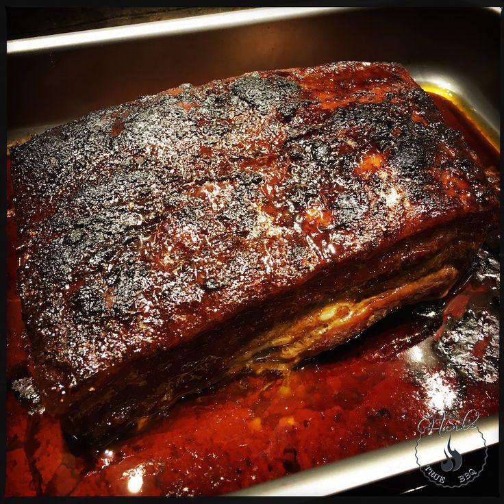 Lär dig hur man tillagar fläsksida (bacon) i ugnen. Det är ett bra sätt att tillaga fläsk, då det behöver lång tid på låg värme för bästa resultat.