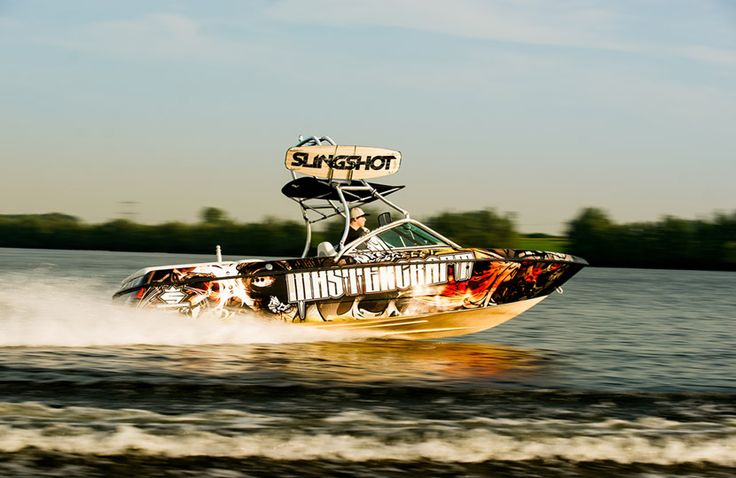 Slingshot Boatwrapping #signmania #boatwrapping #boats #boatwrap #wrapping #boat #design - www.signmania.com