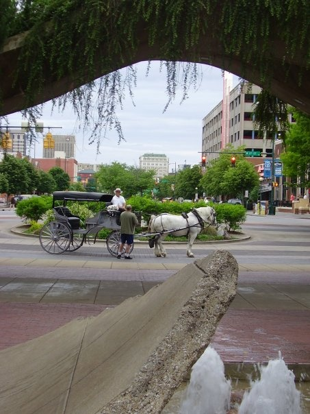 Street scene -- Chattanooga, Tennessee -- May