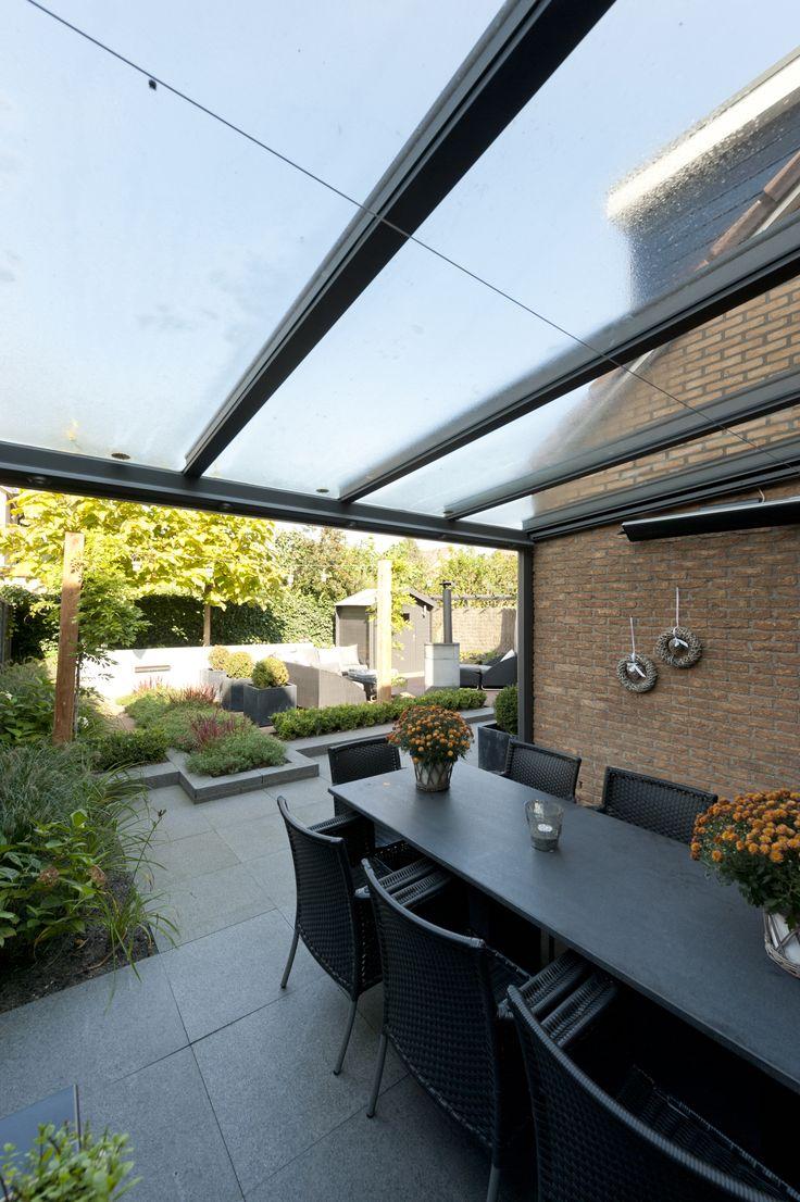 Bij een echte designtuin hoort natuurlijk wel een overkapping met een echt Jumbodesign. www.jumbooverkapping.nl