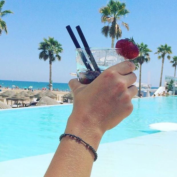 Mojito time dans le cadre de rêve du Marina Beach Club, Valence (Espagne)